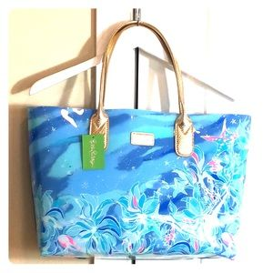NWT Lilly Pulitzer Breezy Pool Tote